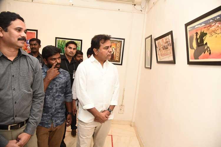 KTR visits photo exhibition
