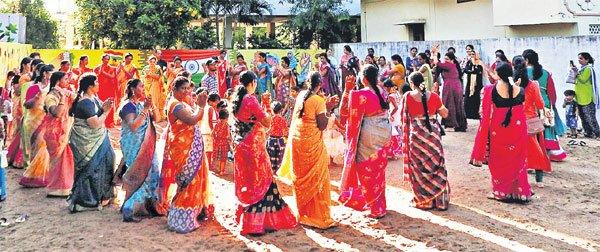 Bathukamma celebrations begin on a grand note across Telangana